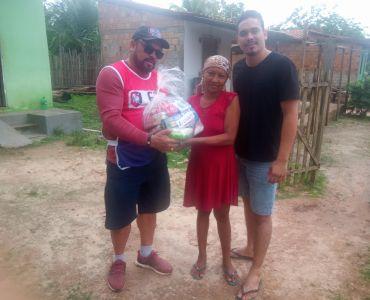 Solidariedade para transformar o natal de famílias carentes